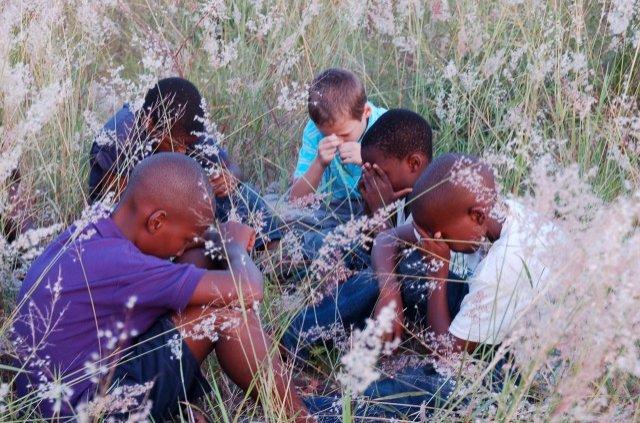 4-samen-bidden-voor-de-nieuwe-school.jpg